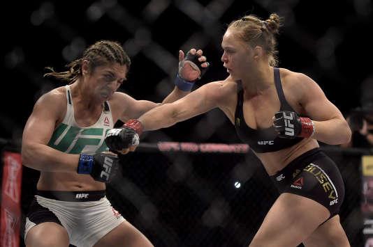 La Brésilienne Bethe Correia est tombée au bout de 34 secondes face à l'Américaine Ronda Rousey lors du combart de l'Ultimate Fighting Championship (UFC) le 1er août.