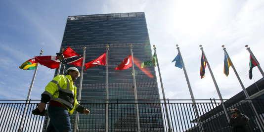 Devant le siège de l'ONU à New York, le 25 mars.