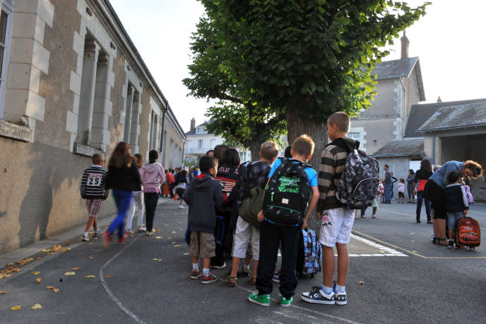 La cour de récréation d'une école à Francueil près de Tours, en septembre 2012.