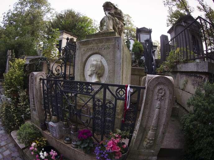 La tombe de Frédéric Chopin au cimetière du Père-Lachaise à Paris, le 16 octobre 2014.