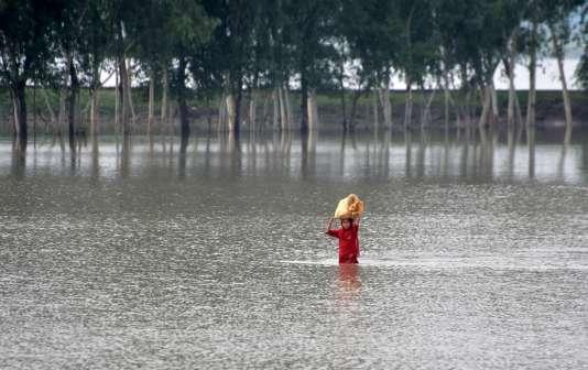 A Camp Koruna, dans le nord-ouest du Pakistan, le 3 août. Les pluies diluviennes ont déjà causé la mort de 118 personnes dans le pays.