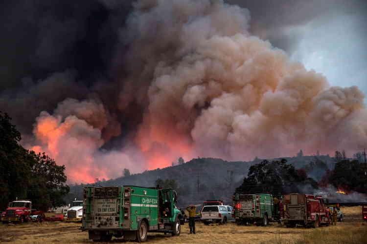 Les incendies ont fait un mort, un pompier de 38 ans, qui avait disparu vendredi alors qu'il luttait contre un feu dans la forêt nationale de Modoc.