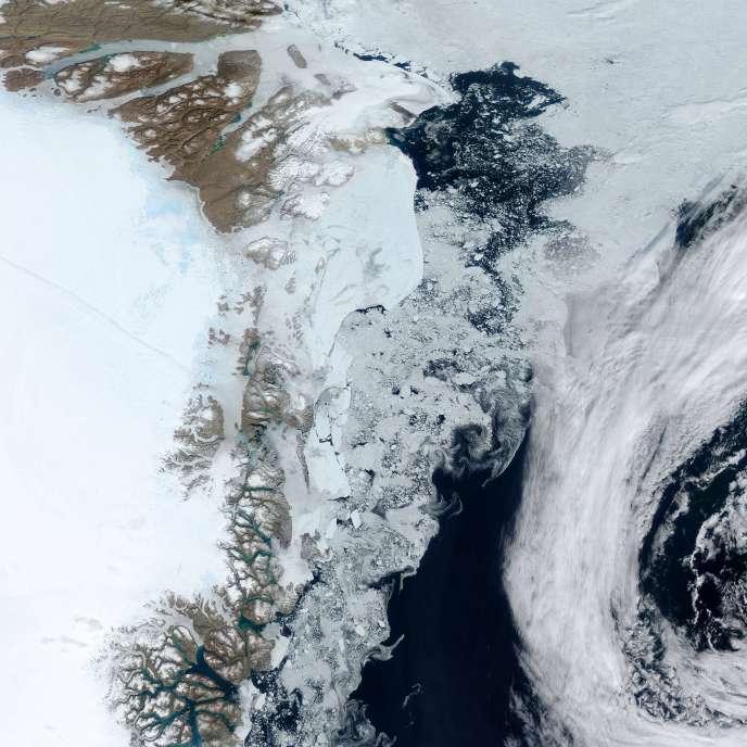 Glacier de Zachariae, sur la côte est du Groenland.