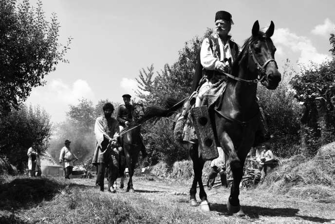 Theodor Corban (l'homme à cheval), dans