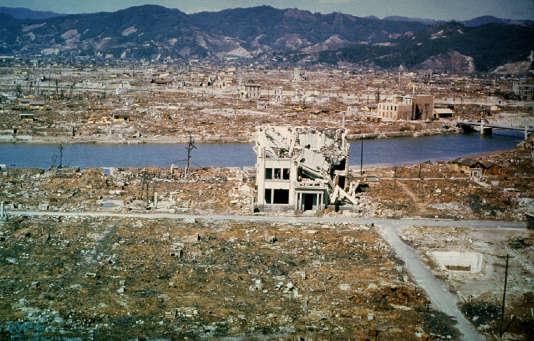 Hiroshima en mars 1946,  six mois après l'impact de la bombe nucléaire.