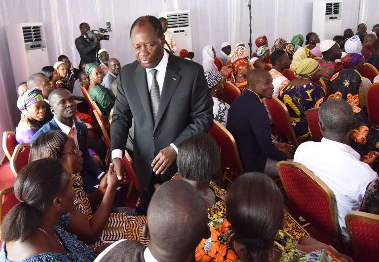 Alassane Ouattara, lors d'une cérémonie d'indemnisation des victimes, le 5 août à Abidjan.