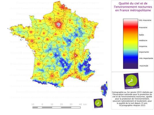 Carte de l'intensité lumineuse nocturne visible depuis le sol, en France en 2015.