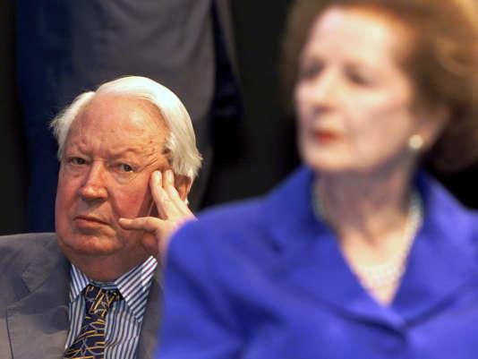 Edward Heath, ici en 1998 en compagnie de Margaret Thatcher, lors d'une réunion du parti conservateur.