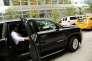 Un client entre dans une voiture UBER à New-York le 20 juillet 2015.