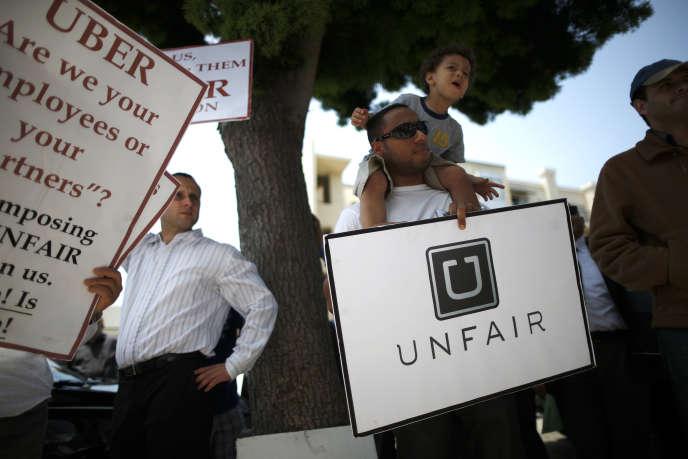 Manifestation de chauffeurs devant les locaux d'Uber à Santa Monica, en Californie, en juin 2014.