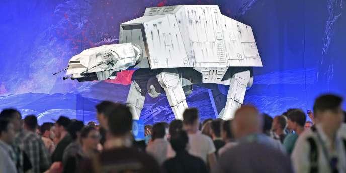 Les parcs « Star Wars » seront situés l'un en Californie en extension de Disneyland et l'autre à Orlando en Floride en extension de Disney Hollywood Studios.