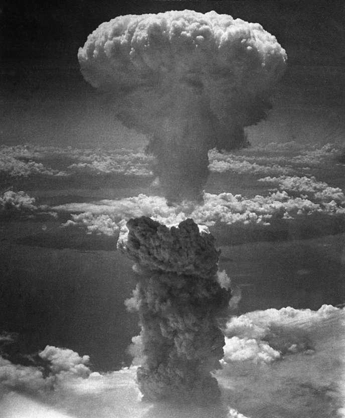 Bombe atomique sur Nagasaki, le 9 août 1945.