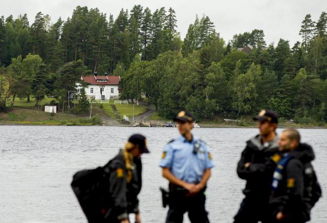 En Norvège, le premier camp d'été des jeunes travaillistes se tient sur l'île, quatre ans après le carnage qui a coûté la vie à 69 d'entre eux.