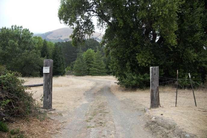 L'entrée actuelle de Grady Ranch. Sur une superficie totale de 420 hectares, 323 sont ouverts au public pour la randonnée. Le lotissement que veut construire M. Lucas le sera sur 21 hectares.