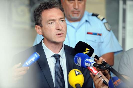 """Le vice-procureur de la République de Vannes, Yann Le Bris, a mis en examen le conducteur de 17 ans pour """"homicides involontaires aggravés""""."""