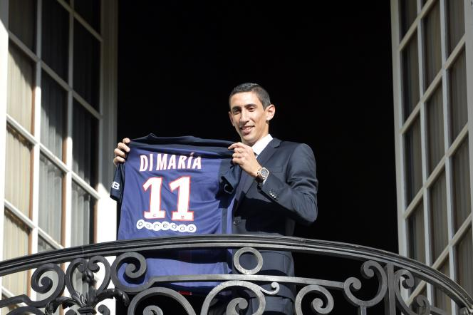 L'attaquant argentin Angel Di Maria a officiellement rejoint le Paris-Saint-Germain.