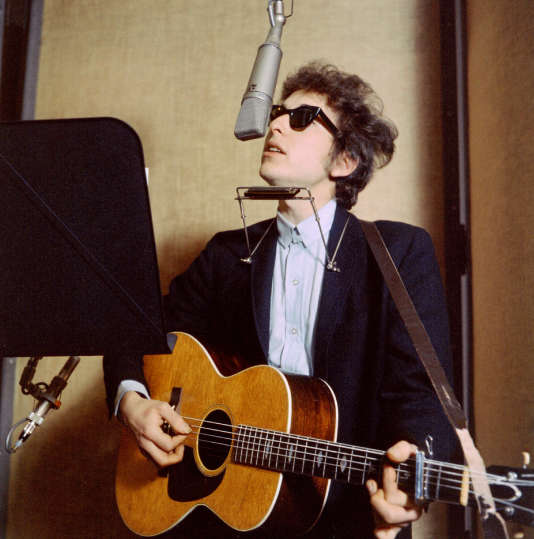 "Bob Dylan enregistre en studio le titre ""Bringing it all back home"" Mars 1965 ."