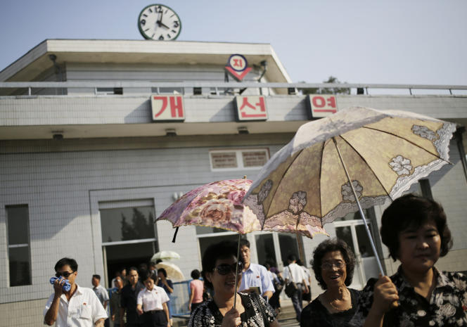 A compter du 15 août, toutes les horloges du pays seront retardées de trente minutes.