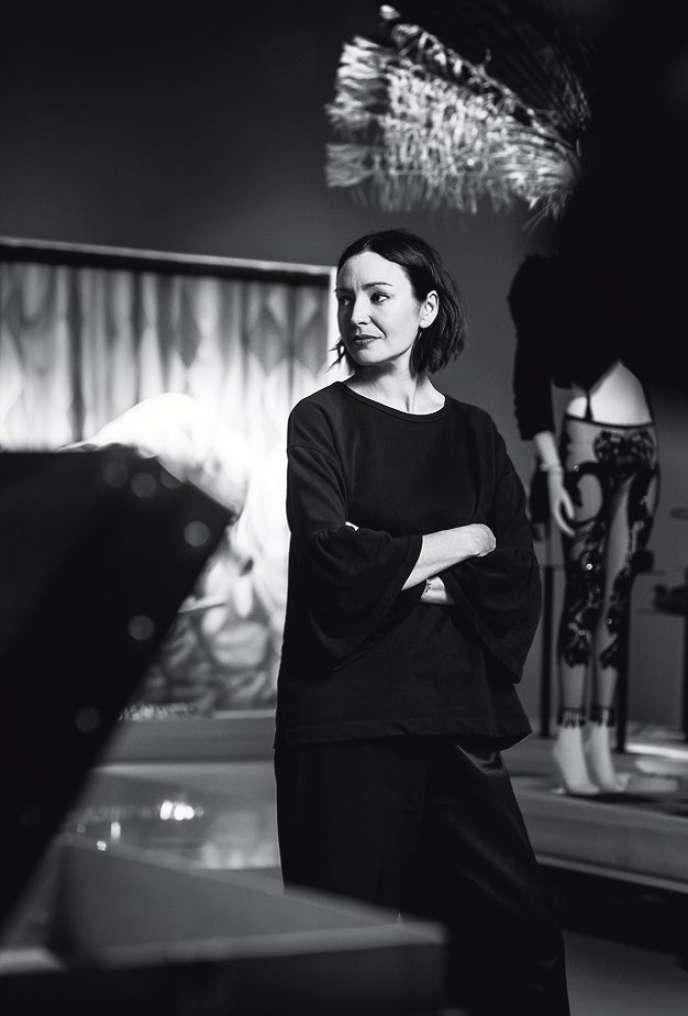 Judith Clark, commissaire d'exposition de La Galerie, à Asnières.