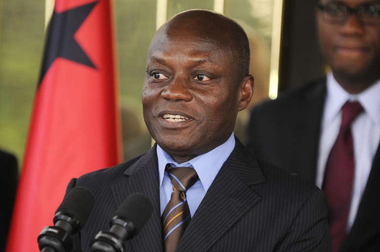 Le président de la Guinée-Bissau, José Mario Vaz, en conférence de presse après une rencontre avec le président ivoirien Alassane Ouattara au palais présidentiel d'Abidjan.