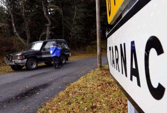 Huit personnes mises en cause dans l'affaire Tarnac sont renvoyées en correctionnelle, mais sans la circonstance aggravante d'« entreprise terroriste ».