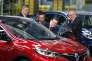 Mariano Rajoy, chef du gouvernement espagnol, et Carlos Ghosn, PDG de Renault, en mars, à Villamuriel de Cerrato, où le Kadjar est fabriqué.