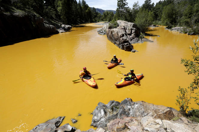Des kayaks sur la rivière Animas, près de Durango dans le Colorado, le 6 août.