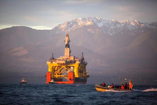 Plateforme pétrolière au large de Port Angeles dans l'Etat de Washington, en avril.