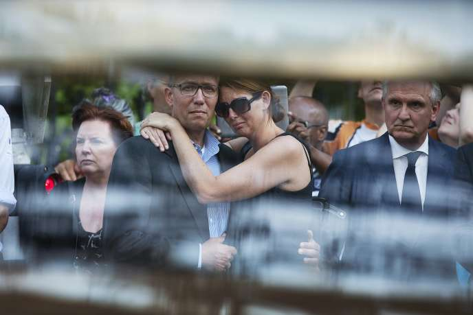 Le 23 juillet 2014, les familles des victimes  à Hilversum au Pays-Bas.