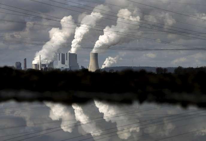 La centrale thermique au charbon de Neurath, en Allemagne, le 28 février 2014.