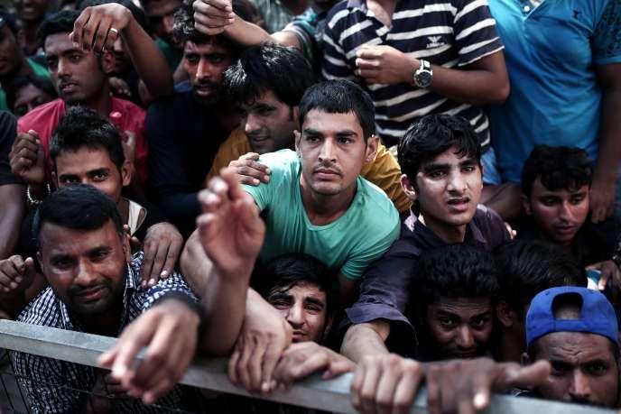 174 000 migrants sont arrivées dans les îles de la Grèce venant de Turquie entre janvier et juillet, dont 50 000 pour le seul mois de juillet.