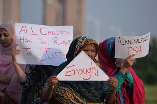 Manifestation contre les viols d'enfant à Islamabad, le 10 août.