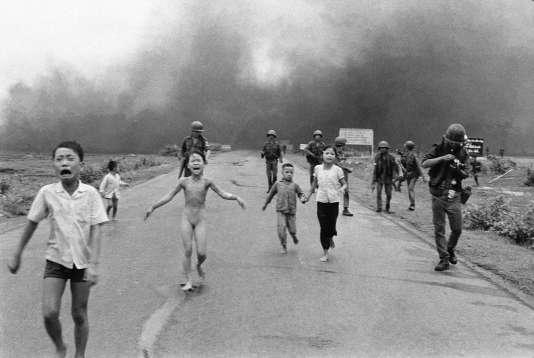 La célèbre photographie prise durant la guerre du Vietnam par Nick Ut, photographe de l'agence Associated Press.