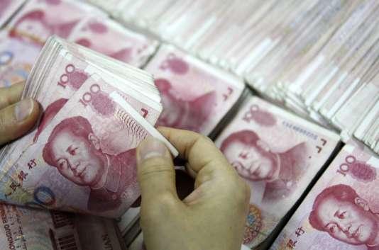 La Banque centrale de Chine a décidé de dévaluer le yuan face au dollar.