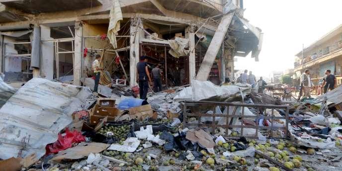 Un marché bombardé à Idlib en Syrie, le 11 août.
