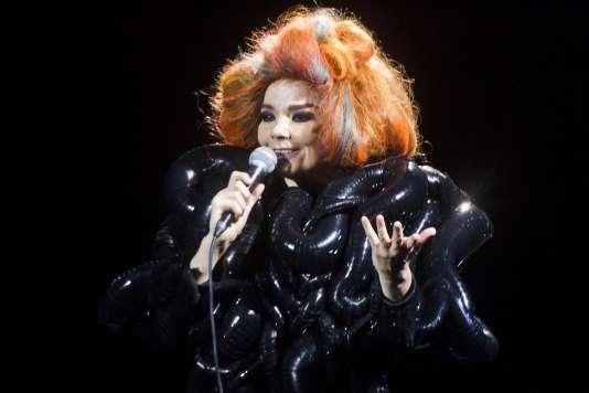 La chanteuse Björk en concert au Roskilde Music Festival en juillet 2012.