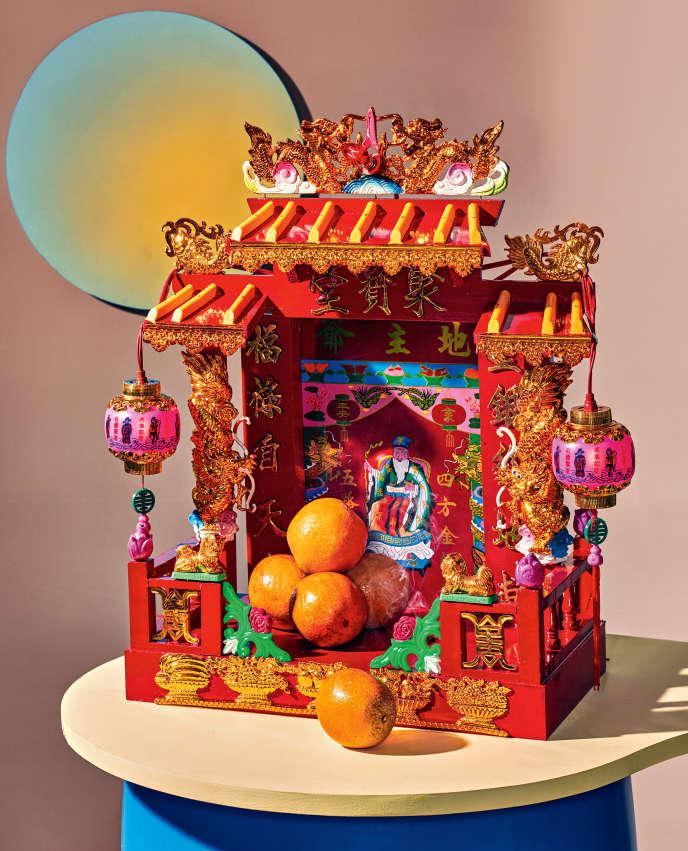 Quelle est la fonction sacrée de cet autel chinois en bois ? Les avis divergent.