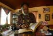 L'avocat Michael Lorne, un leader de la communauté rastafarie, dans son bureau de Kingston, le 22 juin 2015.