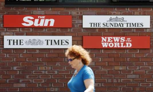 """Rupert Murdoch dirige de nombreux  titres de presse britannique. Le titre """"News of the World"""" a été contraint de cesser sa parution le 10 juillet 2011."""