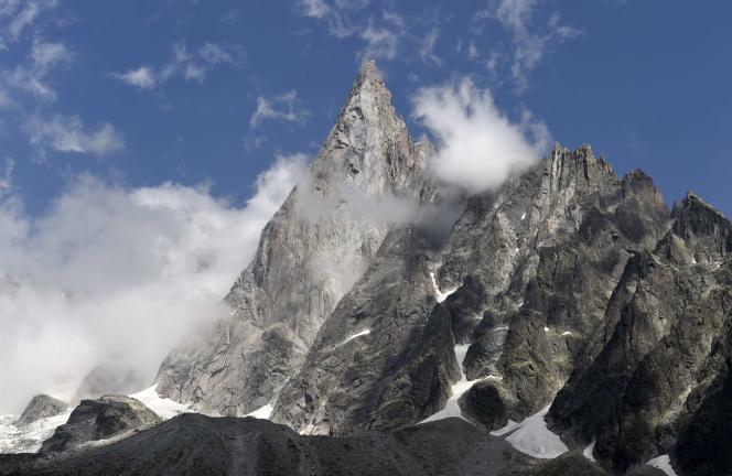 Le mont Blanc est ainsi passé de 4 808 mètres en 2003 à près de 4 811 mètres en 2007. Il n'était pas redescendu sous la barre des 4 810 mètres depuis la campagne menée en 2005, où il avait été mesuré à 4 808,75 mètres.