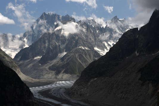 Les Grandes Jorasses, l'un des sommets alpins à plus de 4 000 mètres.