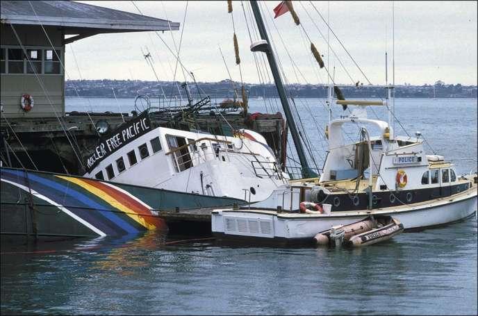 Dans la nuit du 10 au 11 juillet 1985, les services secrets français faisaient couler le Rainbow Warrior dans le port d'Auckland, en Nouvelle-Zélande.