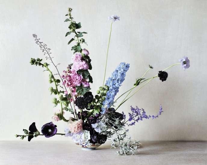 Les vivaces herbacées dans un bouquet estival plein de fantaisie.
