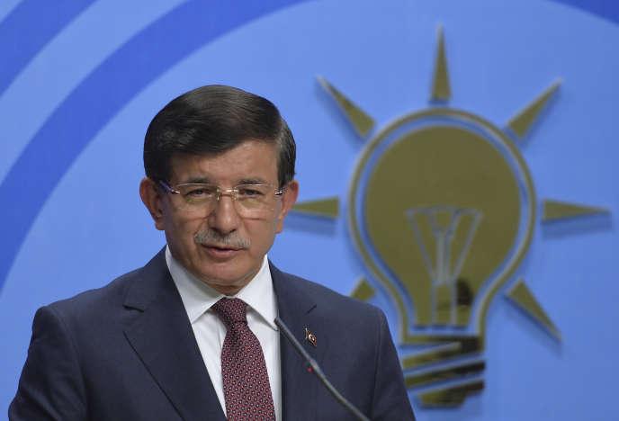 Le premier ministre turc Ahmet Davutoglu n'est pas parvenu à convaincre les principaux partis d'opposition de former un gouvernement de coalition.