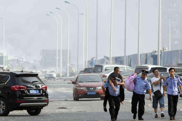 """Selon CCTV, le président chinois, Xi Jinping, a appelé à faire """"tous les efforts possibles pour venir en aide aux victimes""""."""