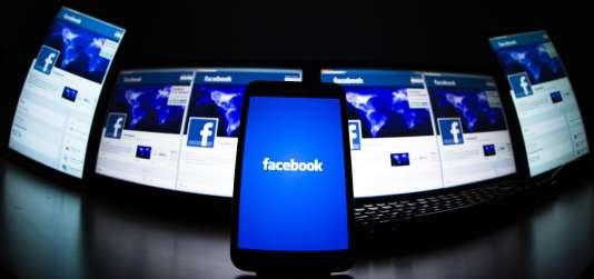 Facebook a franchi le cap symbolique du milliard d'utilisateurs quotidiens connectés.