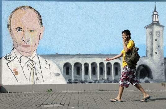 Un graffiti représentant Vladimir Poutine, le 13 août à Simféropol.