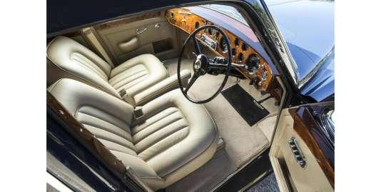Une cache avait été aménagée dans la Bentley S3 Continental Flying Spur de Keith Richards pour y dissimuler ce qu'il fallait de substances illicites.