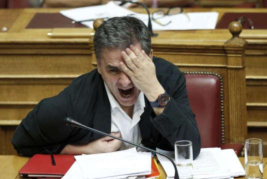 Le texte a été approuvé grâce à l'appui de l'opposition. Mais la lenteur des débats illustre les divisions au sein du parti au pouvoir d'Alexis Tsipras.
