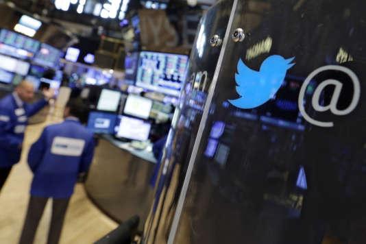 Jeudi 20 août, le cours de l'action de Twitter est tombé à 26 dollars. Un déclin boursier qui a débuté fin avril.